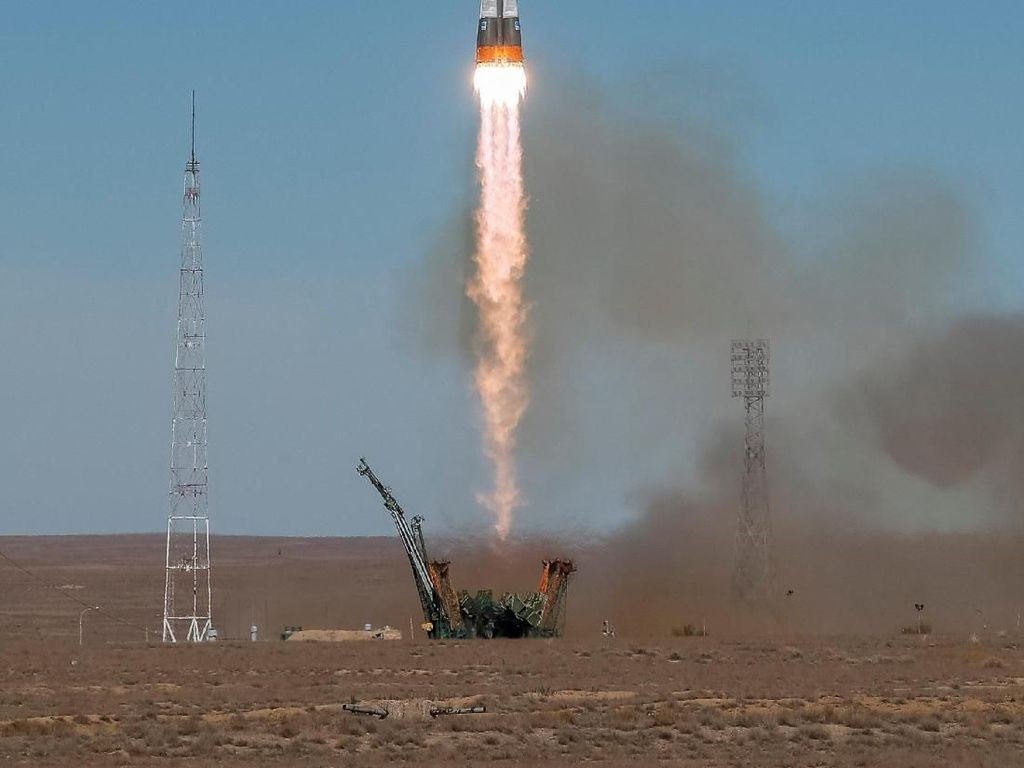 Video: 204 Hari di Luar Angkasa, 3 Astronot ISS Tiba di Bumi