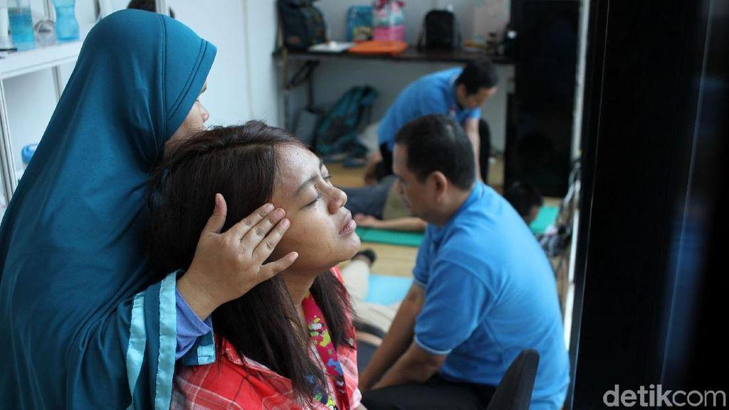 Asyik Pijat Gratis untuk Wartawan Asian Para Games 2018