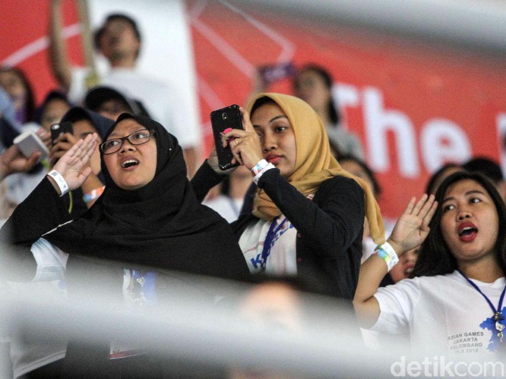 Heboh Penonton di Stadion Akuatik