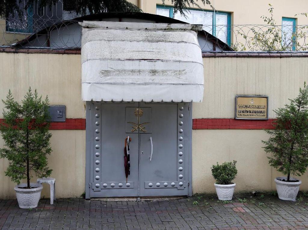 Suasana di Depan Konsulat Saudi di Istanbul Usai Hilangnya Khashoggi