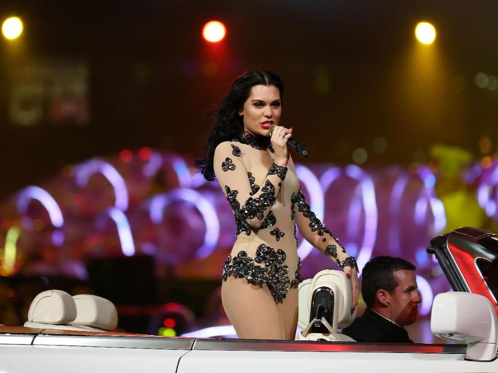 Duh! Jessie J Terancam Tak Bisa Nyanyi Lagi