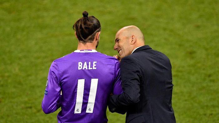 Ada cerita tentang Gareth Bale di balik kepergian Zinedine Zidane dari Real Madrid (Handout/UEFA via Getty Images)