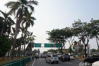 Jalan menuju Monumen Lengkong (Shinta/detikTravel)