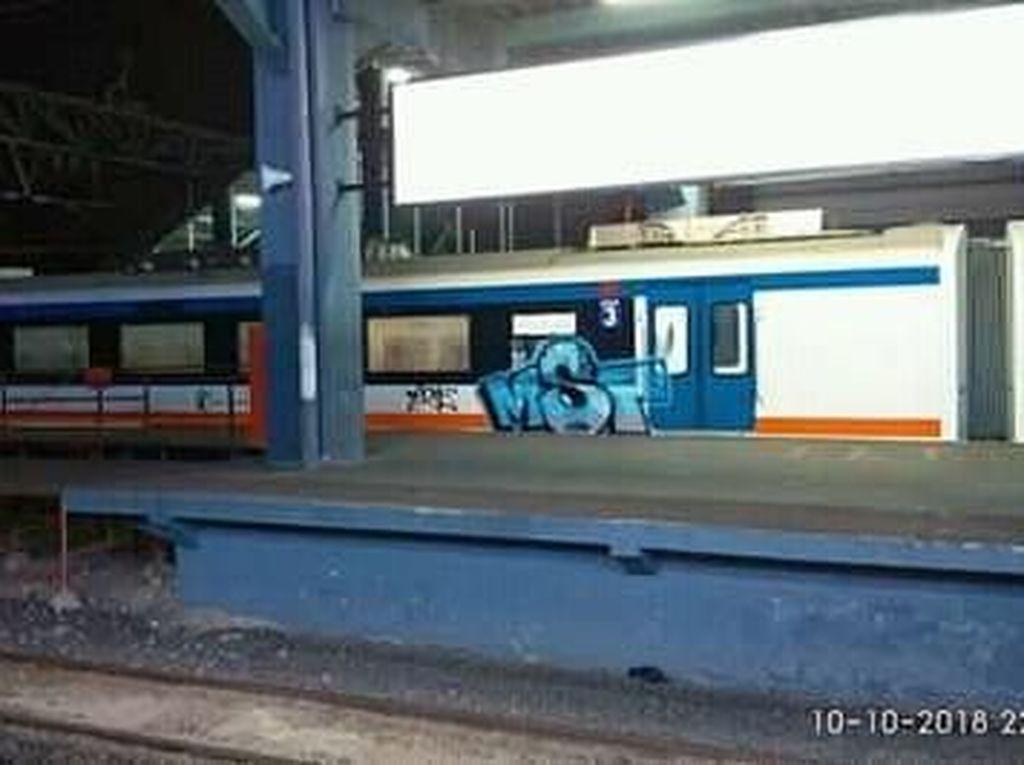Polisi Selidiki Aksi Vandalisme Kereta Bandara