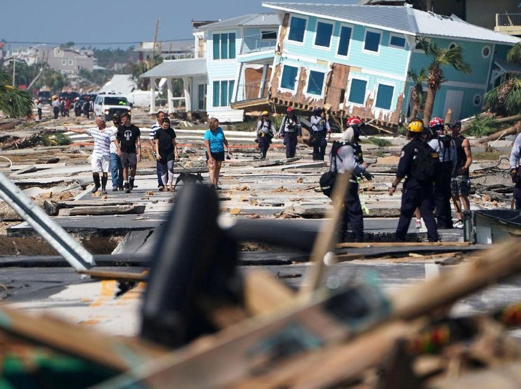 Terjangan Badai Michael Tewaskan 7 Orang di AS
