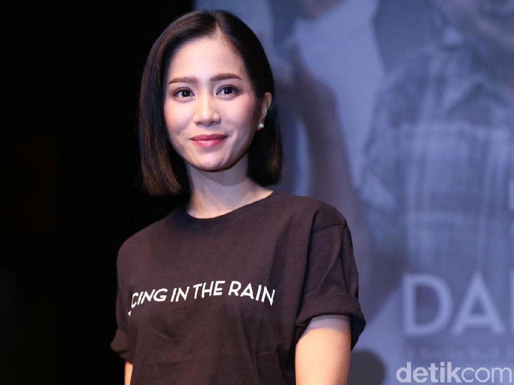 Duh! Bunga Zainal Sewot ke Netizen, Kenapa Ya?
