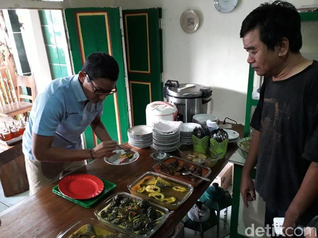 Brongkos Yogya Tak Semahal Chicken Rice Singapura, Ini Kata Sandi