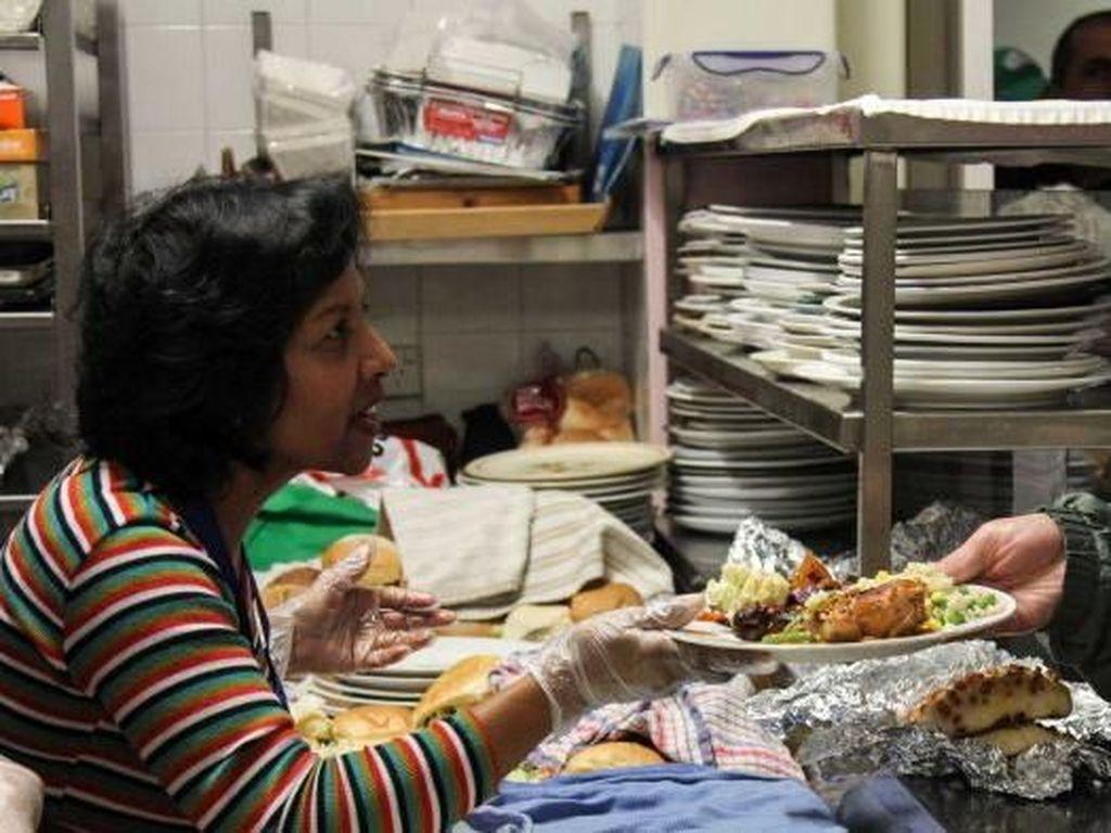 Sudah 30 Tahun Dapur Ini Beri Makan Gelandangan Kota Sydney