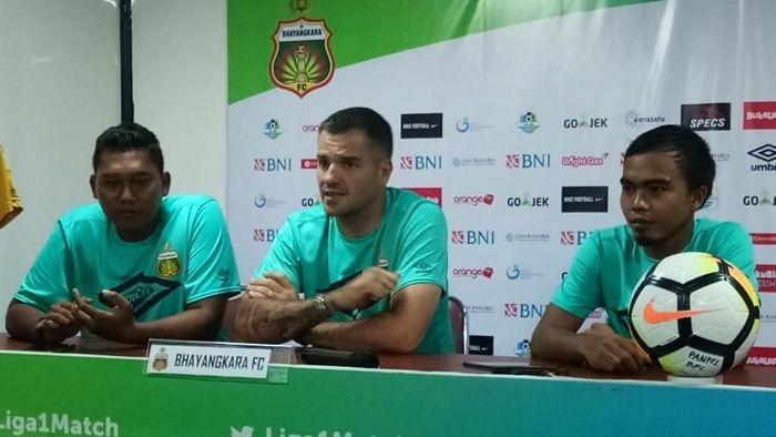 Bhayangkara FC mengalahkan Sriwijaya FC 2-0. (Foto: Randy Prasatya)