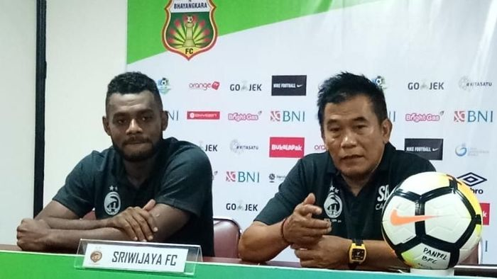 Sriwijaya menyerah 0-2 dari Bhayangkara FC dalam lanjutan Liga 1 2018. (Foto: Randy Prasatya)