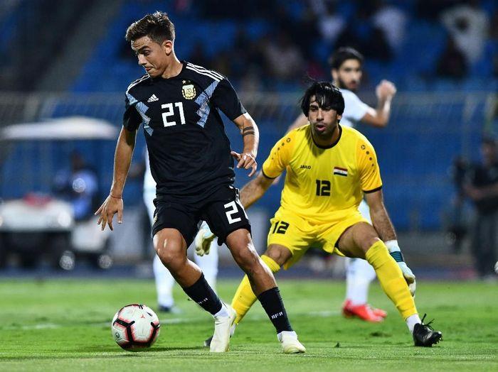 Argentina menggasak Irak 4-0 dalam laga uji coba. (Foto: Waleed Ali/Reuters)