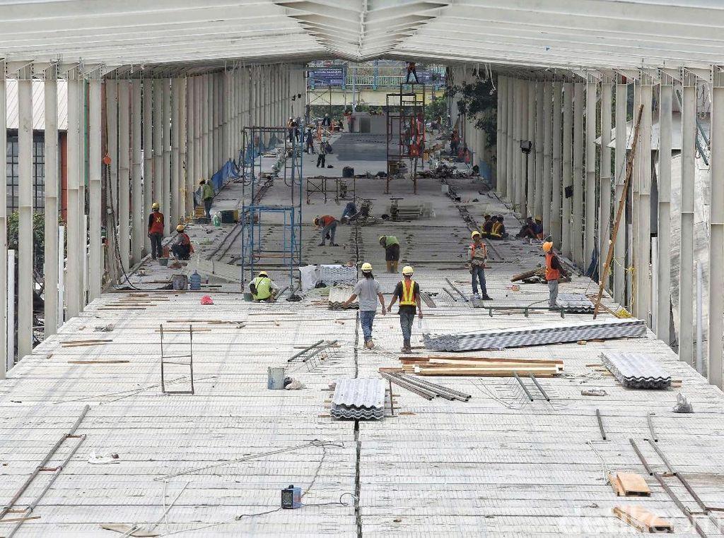Pedagang di Skybridge Tanah Abang Dikenai Rp 500 Ribu Per Bulan