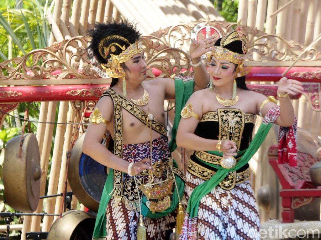 Pesona Budaya Nusantara di Paviliun Indonesia