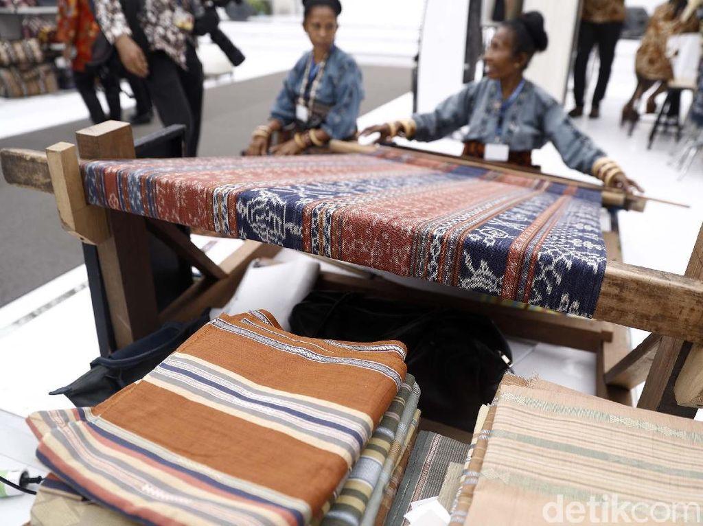 Aneka Kerajinan Indonesia Mejeng di Ajang IMF-WB Bali