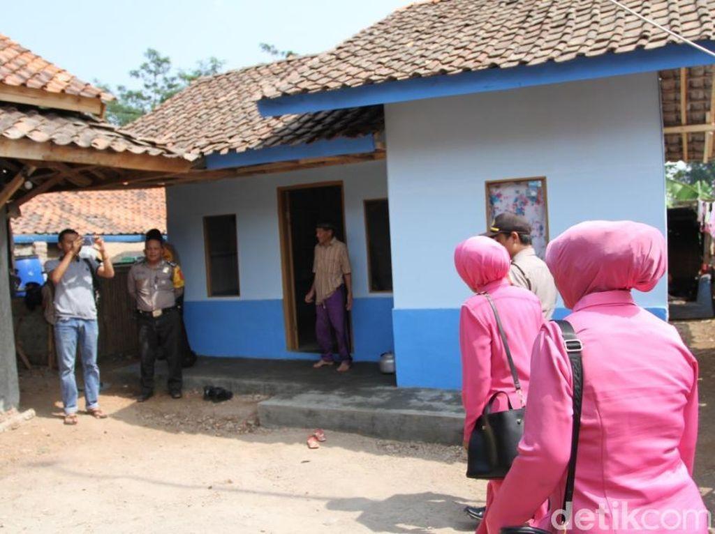 Rona Bahagia Suami-Istri Lansia di Bandung Dibangunkan Rumah