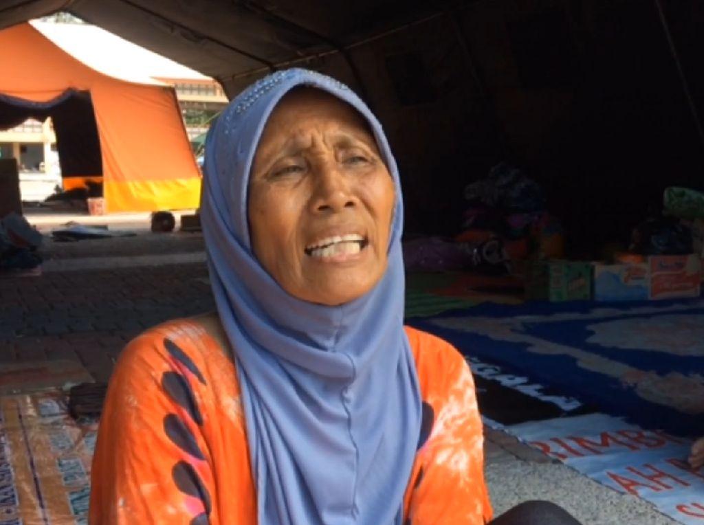 Keluh-Kesah Pengungsi Gempa Palu: Susah Cari Bantuan