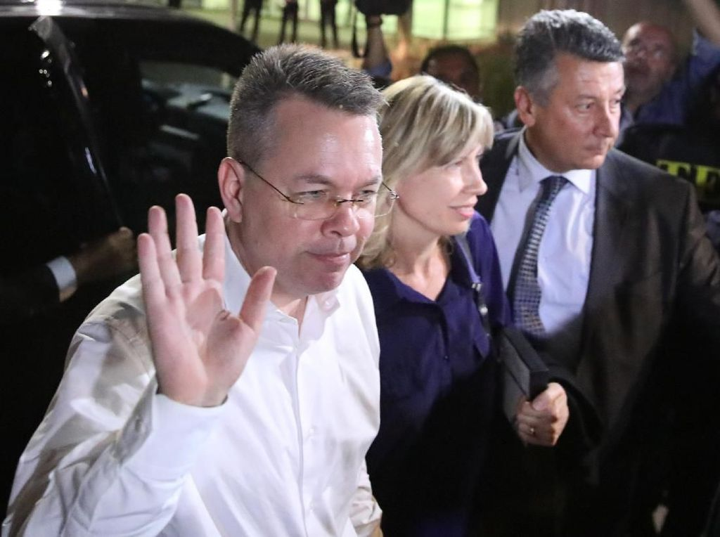 2 Tahun Ditahan, Pendeta AS Andrew Brunson Dibebaskan Turki