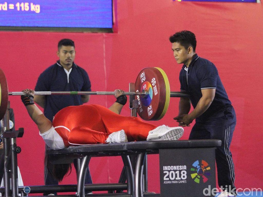 Peran Loader Jaga Keselamatan Atlet Para Angkat Berat