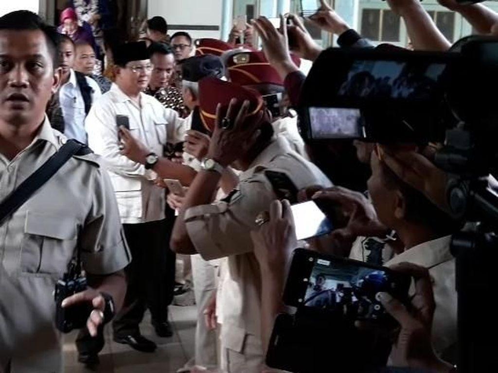 Ke Solo, Prabowo Temui Raja Mangkunegaran Sambil Napak Tilas