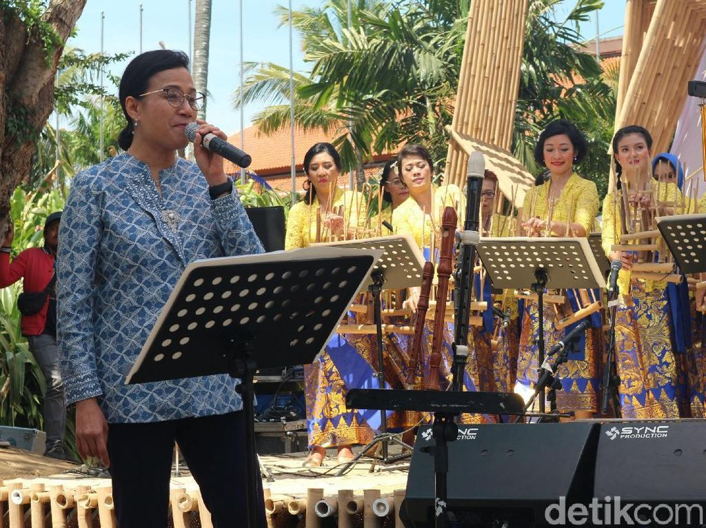 Sri Mulyani Nyanyi di Hari Terakhir Paviliun Indonesia IMF-WB