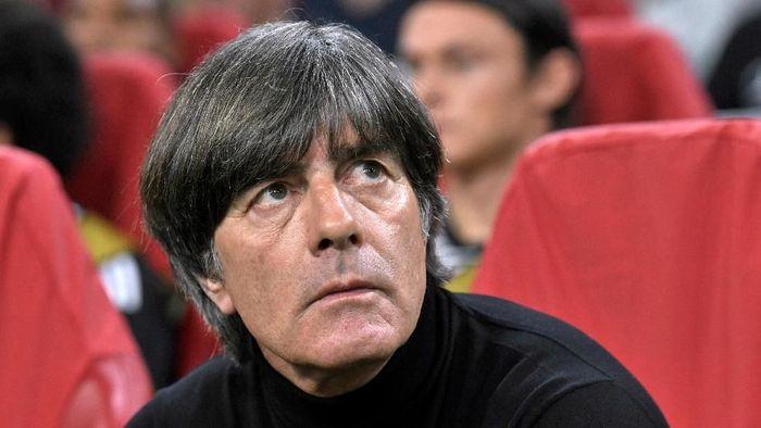 Joachim Loew harus absen memimpin timnas di dua laga Kualifikasi Piala Eropa 2020 (Foto: Piroschka Van de Wouw/Reuters)