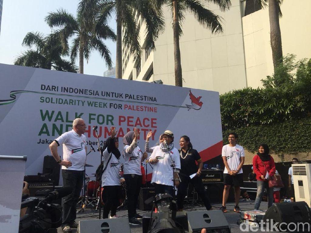 Menlu RI dan Palestina Jalan Santai Walk for Peace di CFD