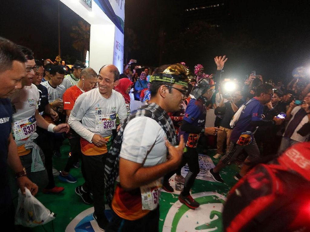 Arcandra Tahar Lepas Peserta Lari BNI ITB Ultra Marathon 2018