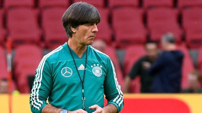 Joachim Loew dapat sorotan menyusul serangkaian hasil negatif timnas Jerman (Foto: Piroschka Van De Wouw/Reuters)