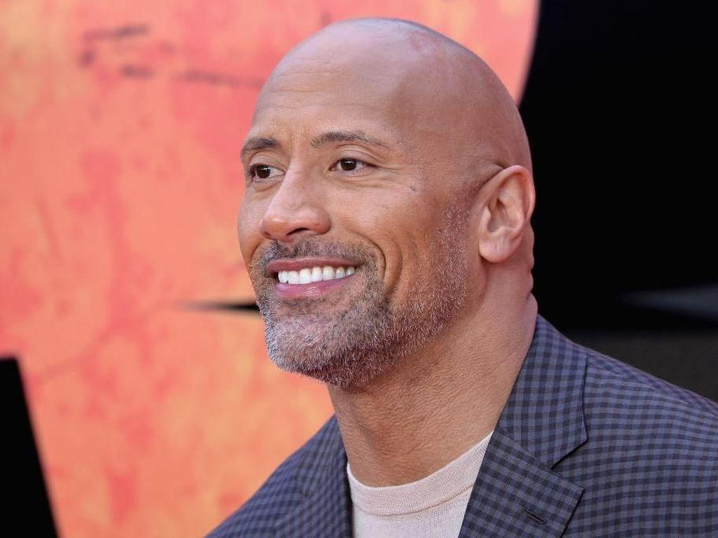 Dwayne Johnson, Aktor dengan Bayaran Termahal Dunia yang Kena Corona