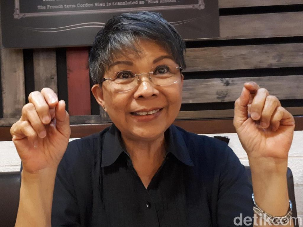 Cerita Pinky Warouw Terjemahkan Gangnam Style ke Bahasa Isyarat