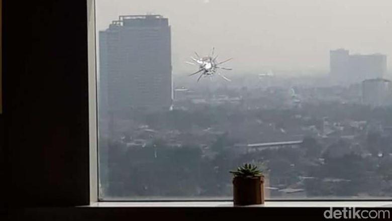 #Breakingnews# Ruang Kerja Anggota DPR F-Golkar Juga Ditembak!