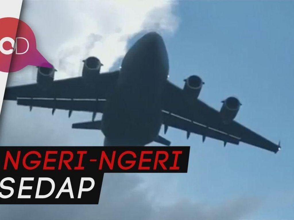Video: Wah, Pesawat Ini Terbang Rendah Dekat Gedung Tinggi