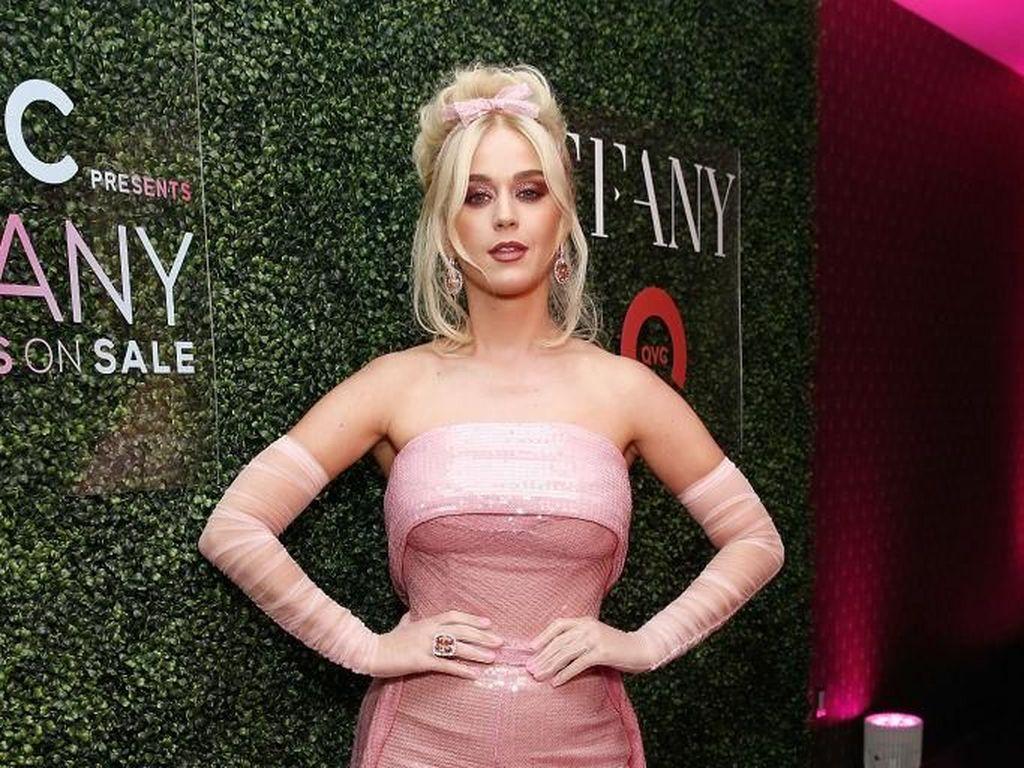 Duh! Katy Perry Dituding Lakukan Pelecehan pada Model Video Klipnya