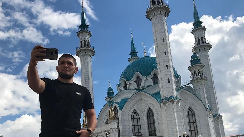 Foto: Khabib Nurmagomedov dan Masjid-masjid Dunia