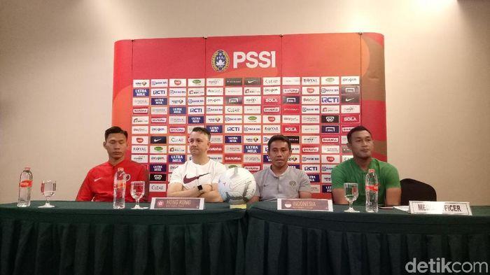 Bima Sakti di konferensi pers jelang Indonesia vs Hongkong. (Foto: Randy Prastya/detikcom)