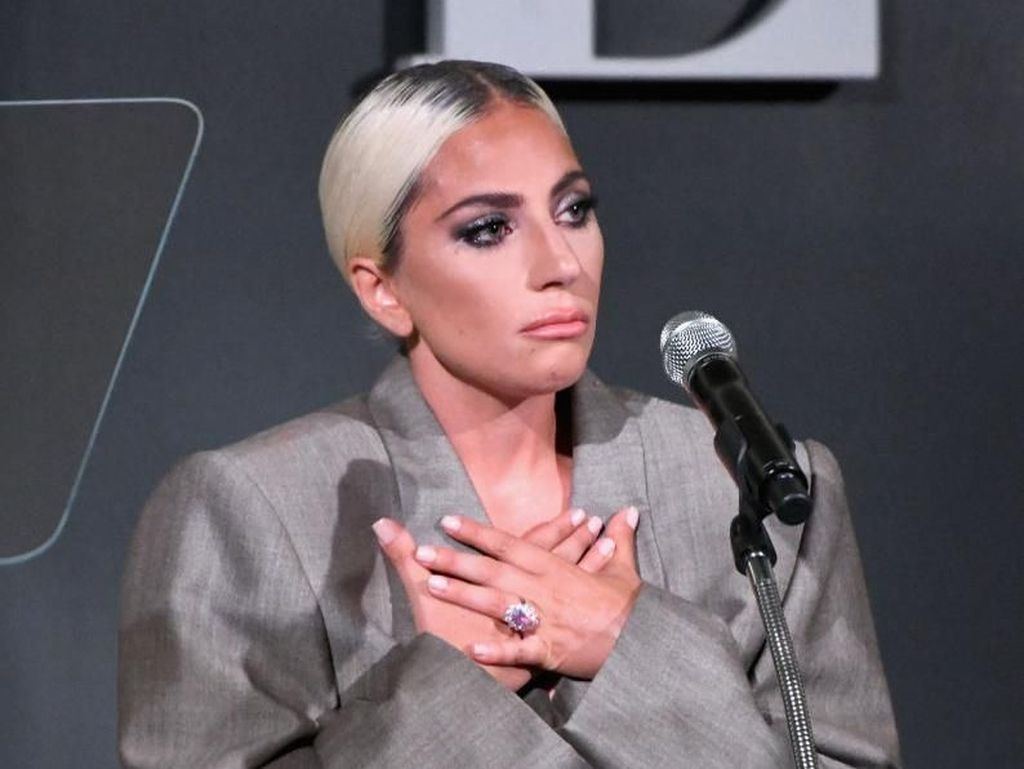 Lady Gaga Puncaki Tangga Billboard Artist 100