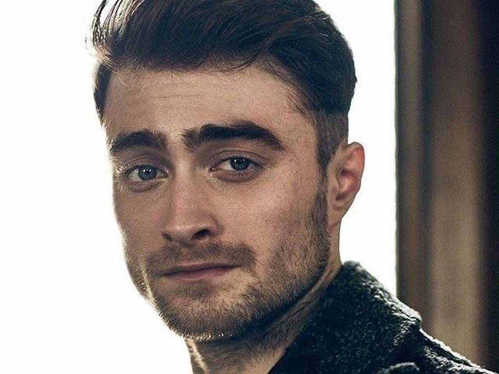 Daniel Radcliffe Kenang Casting Film dan Disebut Tepat Perani James Bond