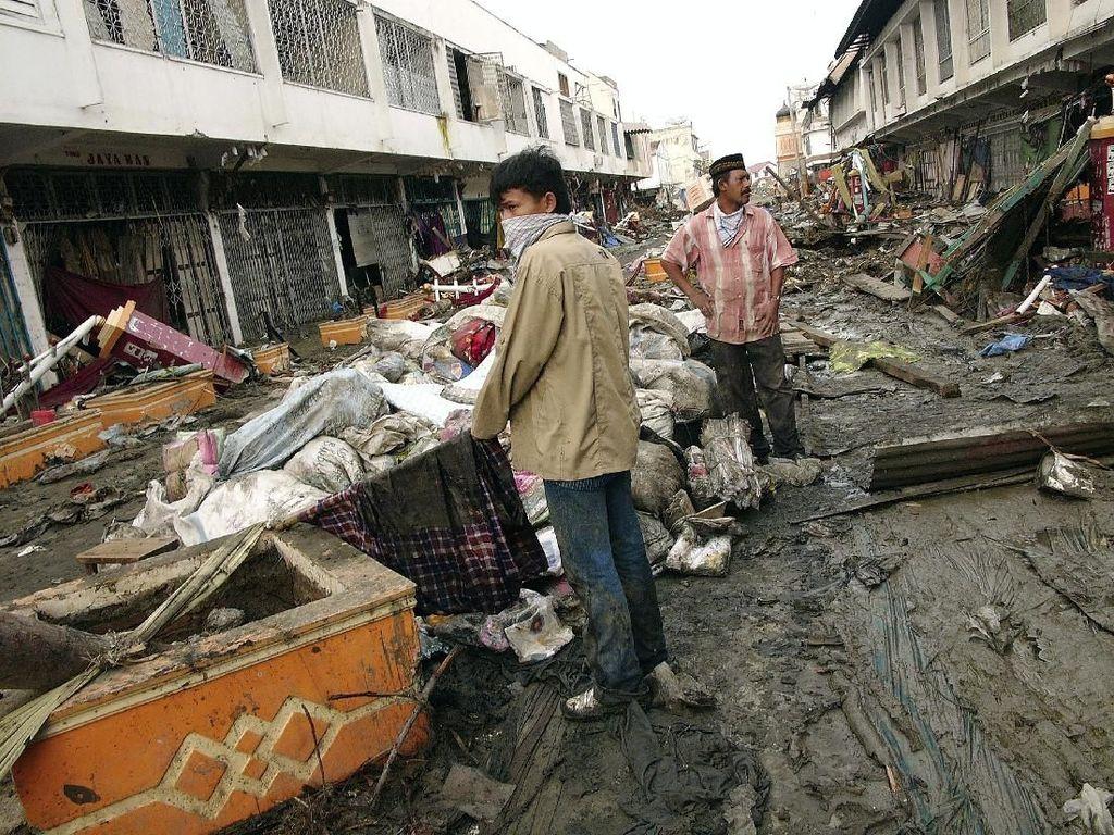 Tsunami Datang, Pergi, dan Dilupakan