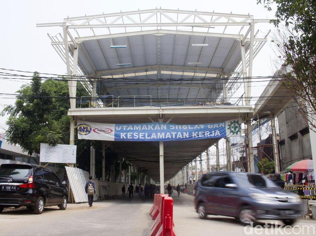 Anies Panggil Dirut Sarana Jaya soal Skybridge Tn Abang yang Molor