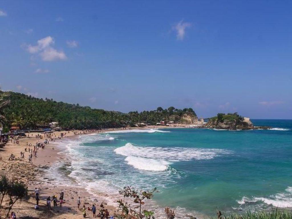 Seputar Pantai Klayar di Pacitan: Rute Hingga Tiket Masuk