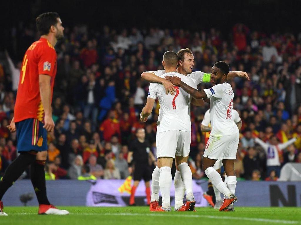 Kegemilangan Sterling dan Kane Jadi Mimpi Buruk Spanyol