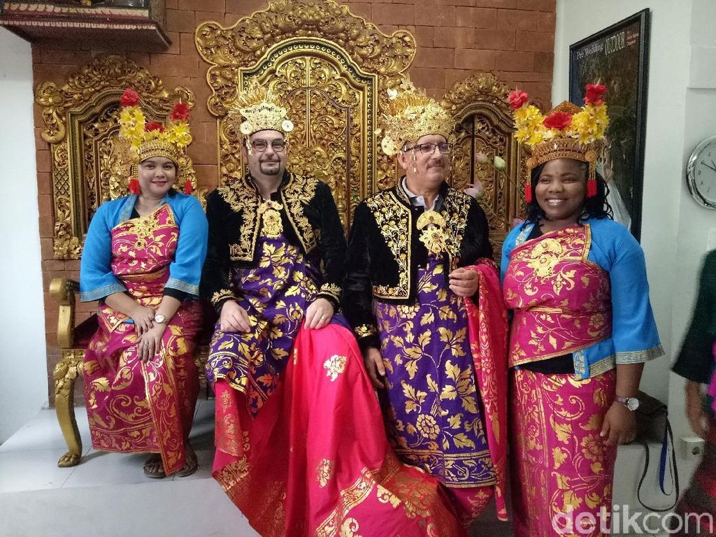 Serunya Delegasi IMF-WB Wisata Kuliner dan Berbusana Adat Bali