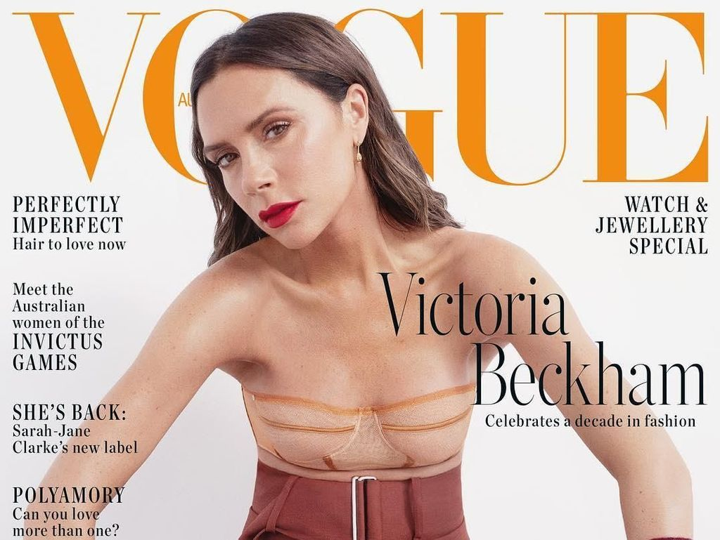 Tampil High-Fashion di Vogue, Netizen Gagal Fokus ke Dada Victoria Beckham
