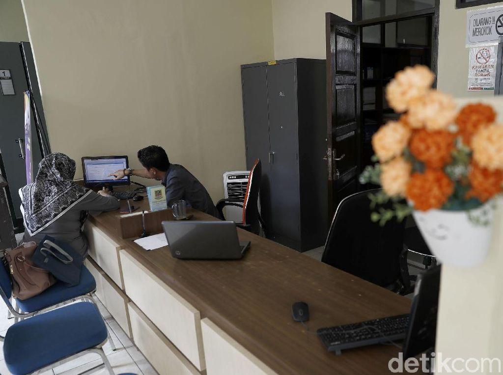 Hasil Survei BI: Urus Izin Usaha di Daerah Masih Lambat