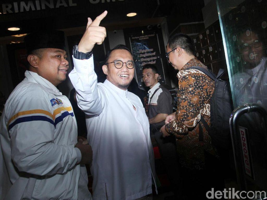 Jubir BPN Prabowo Tuding Hasto Tebar Fitnah soal Politik Uang di Aceh