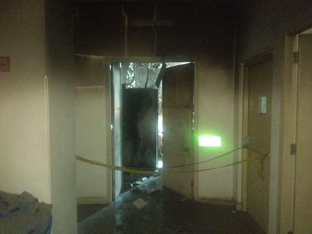 Api di RS Mintohardjo Padam, Petugas Keluarkan Asap