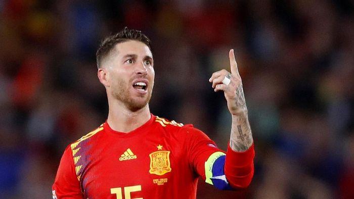 Sergio Ramos meminta fans jangan pernah berhenti mendukung Spanyol (Carl Recine/Reuters)