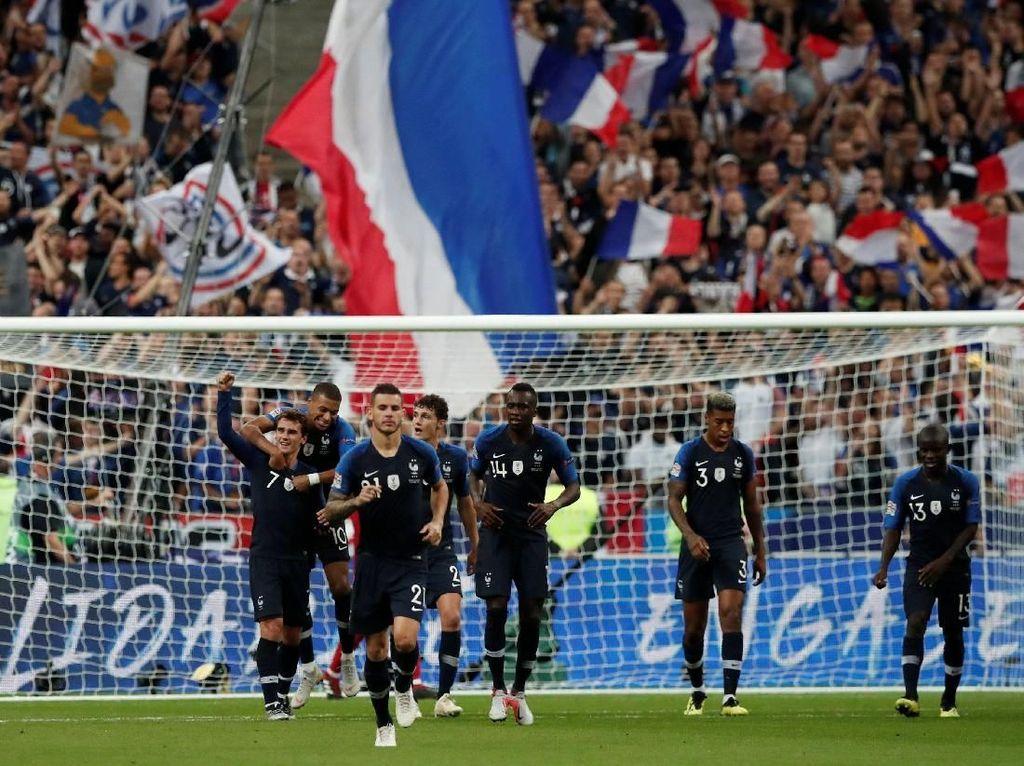 Varane: Pemain Prancis Tak Akan Bertengkar karena Ballon dOr