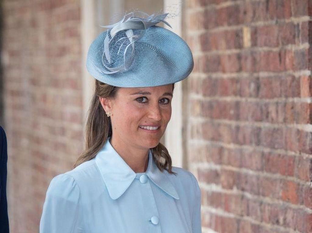 Pippa Middleton Pamer Perut Rata Setelah 2 Bulan Melahirkan