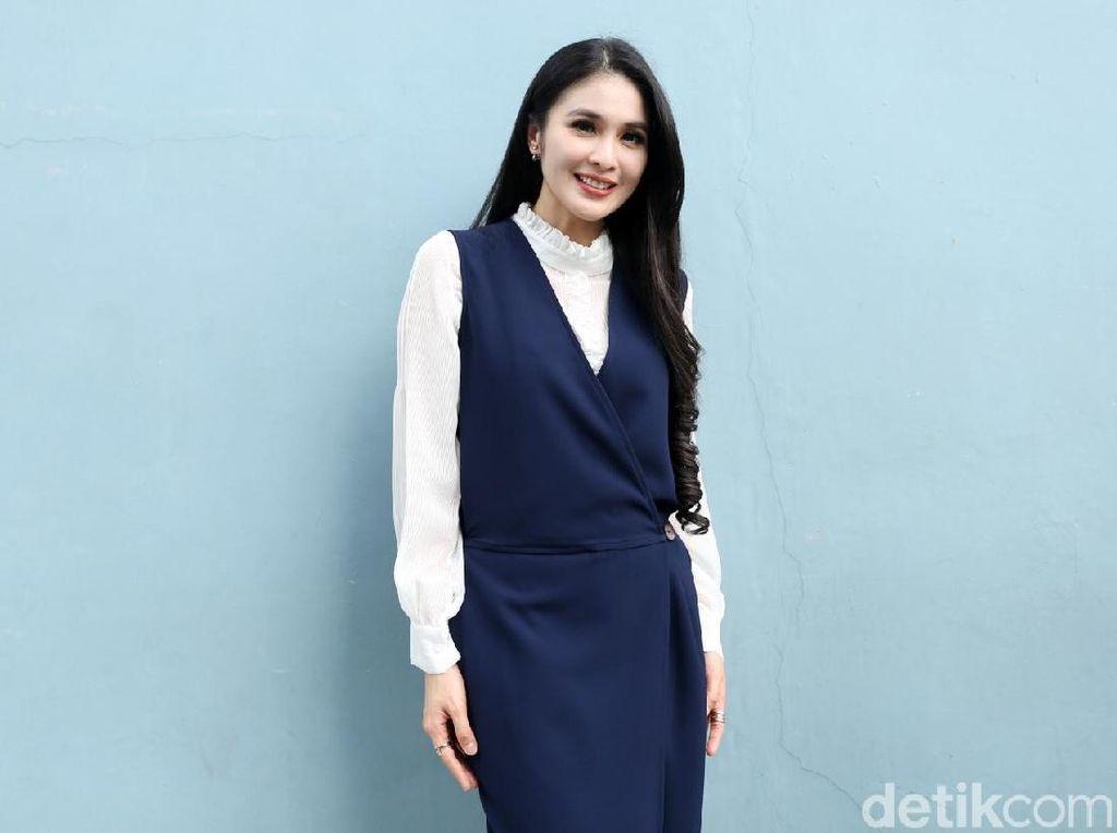 Sandra Dewi Hamil 8 Bulan Nggak Kelihatan Gendut, Kok Bisa Sih?